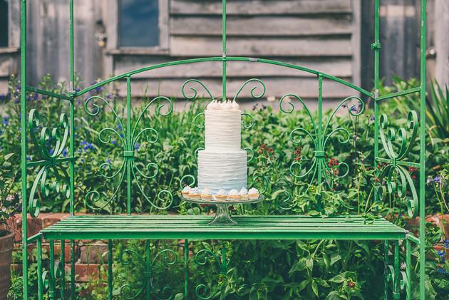 Brockworth Court Wedding Cake Photography
