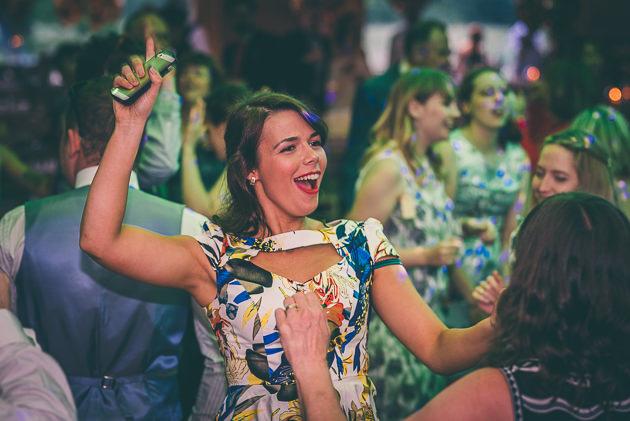 Gillyflower dancing
